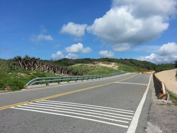 原野賽段後緊接的公路(風吹沙)